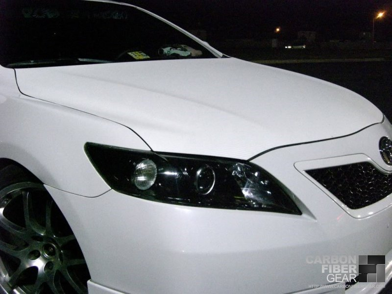 Matte Black Vinyl Car Wrap Cost Toyota Camry with white carbon fiber DI-NOC wrapped hood