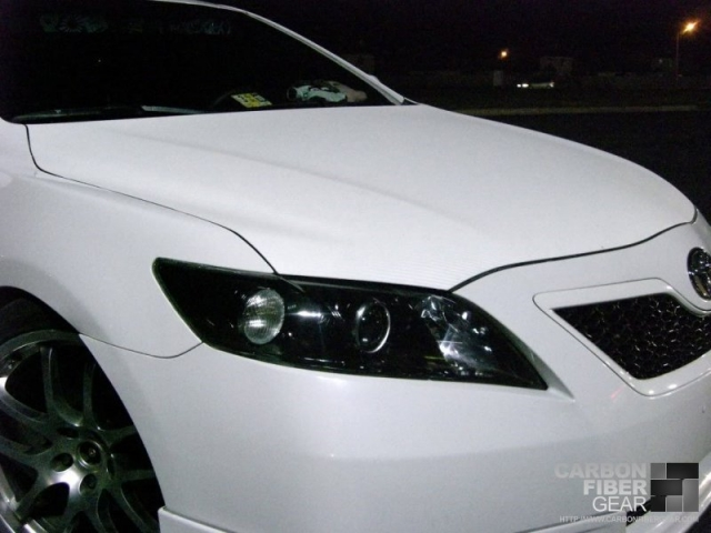 Toyota Camry with white carbon fiber DI-NOC wrapped hood