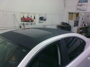 Lexus IS350 with 3M DI-NOC carbon fiber roof and pillars