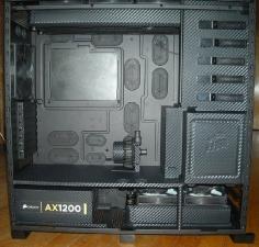 Modded computer with 3M DI-NOC carbon fiber vinyl