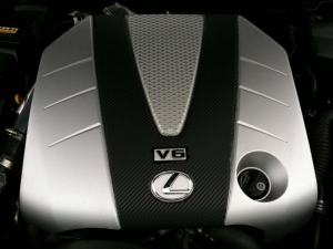 Lexus enginer cover with 3M DI-NOC carbon fiber vinyl