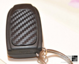 Volvo S60 R key fob wrapped in 3M DI-NOC from Carbon Fiber Film