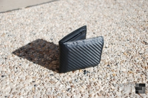 Wallet wrapped in 3M carbon fiber DI-NOC